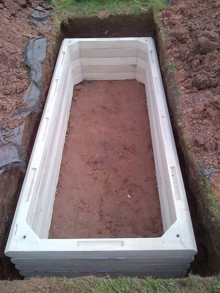 100mm shallow grave ring sets installed in the grave